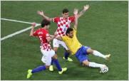 Brasil gana a Croacia con ayuda arbitral en el estreno del Mundial
