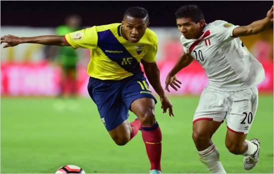 Ecuador igualo el marcador 2 a 2 con Peru y buscara su clasificacion ante Haiti
