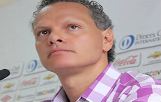 Suspenden un a�o calendario a Esteban Paz dirigente de LDU de Quito