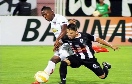 Liga de Quito avanza en la Sudamericana al ganar 2-0 al Zamora